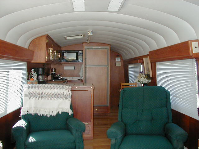 Eric & Lucie's Bus Trip: Bus For Sale (1975 GMC4905)
